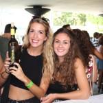 Momenotos de vino chicas y DO Mancha