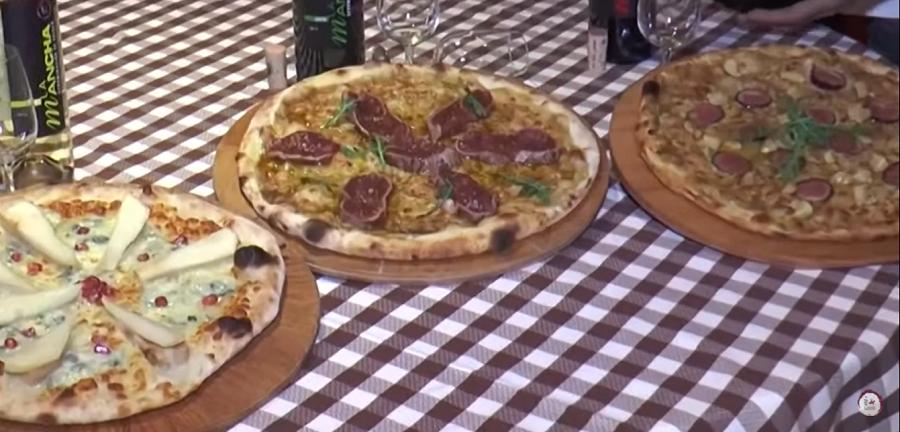 Propuestas de pizzas para maridar con diferentes vinos de La Mancha